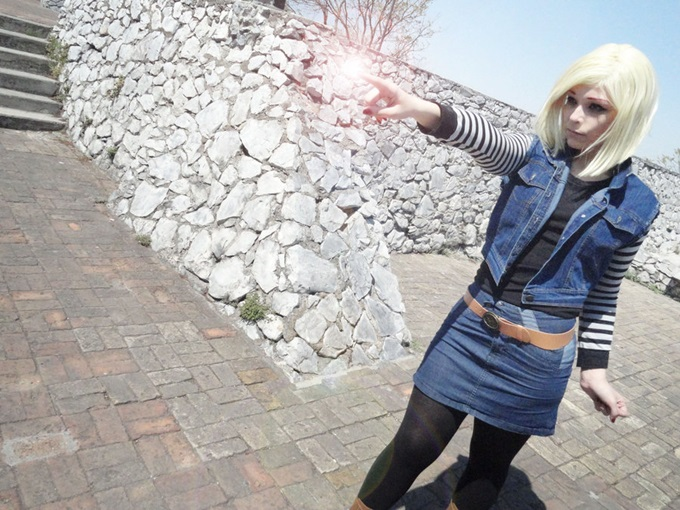 android_18_cosplay_by_newagedignity-d4utx9m