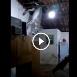 Jumento atentado sobe em telhado e cai dentro de casa na Paraíba